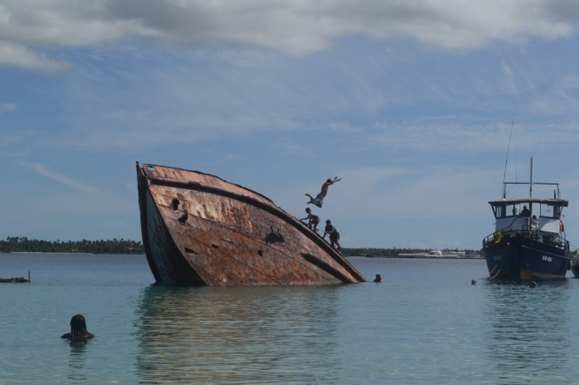Shipwreck off the coast of Pangaimotu island